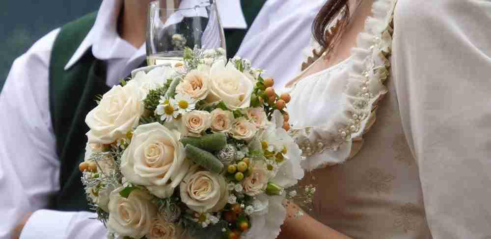 http://www.blumen-kubat.at/data/image/thumpnail/image.php?image=239/blumenkubat_at_article_4356_0.jpg&width=1000
